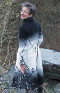 Winterknospe1 walkstoff Winterlandschaft mit Filzknospen Taftfutter Mantel A Form