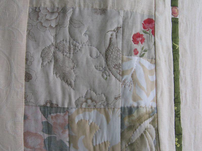 Rosen Tagesdecke Patchwork mit alten Stoffen Upcycling