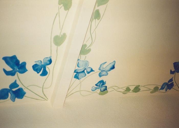 Jugendstil Deckenfries Altbauwohnung Berlin Schablone und Malerei auf putz Wandgestaltung Schlafzimmer